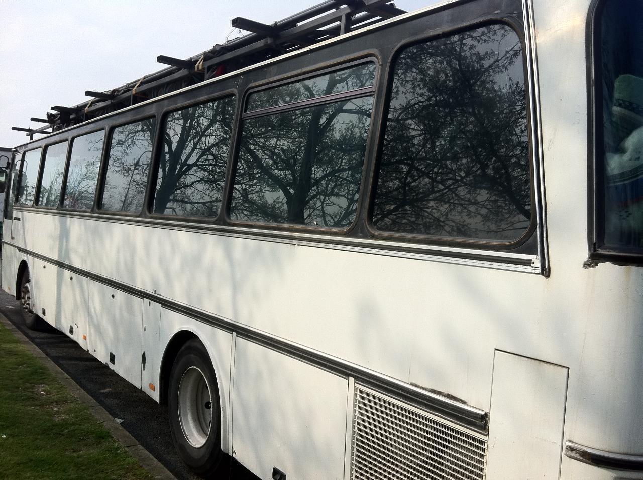 -bus profil arrière